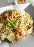 Tagliatelle fritte dei frutti di mare, stile tailandese asiatico Immagini Stock