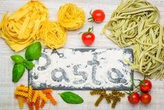 Tagliatelle και ζυμαρικά Fusilli Στοκ εικόνα με δικαίωμα ελεύθερης χρήσης
