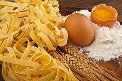 Tagliatelle italiano della pasta Immagine Stock
