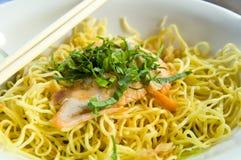 tagliatelle Mescolare-fritte, mein del cibo, cucina cinese Fotografia Stock
