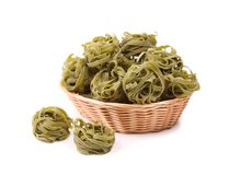 Tagliatelle paglia e fieno at basket Royalty Free Stock Photography