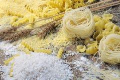 Tagliatelle, pasta e riso Immagine Stock Libera da Diritti