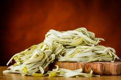 Πράσινα ζυμαρικά Tagliatelle Tagliolini Στοκ φωτογραφία με δικαίωμα ελεύθερης χρήσης
