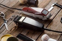 Tagliatori elettrici e spazzole immagini stock libere da diritti