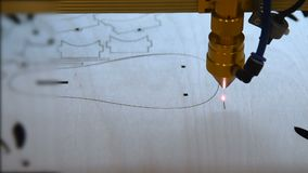 Tagliatrice del laser video d archivio
