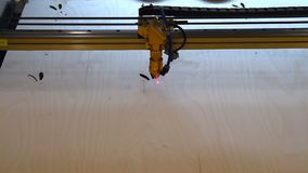 Tagliatrice del laser sul lavoro archivi video