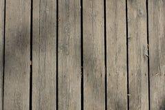 Tagliere di legno scuro, marrone, graffiato Struttura di legno Fotografia Stock Libera da Diritti