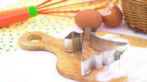 Taglierina del biscotto del vestito Fotografie Stock