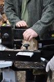 Taglierina di legno idraulica fotografia stock