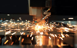 Taglierina industriale del laser Fotografia Stock Libera da Diritti