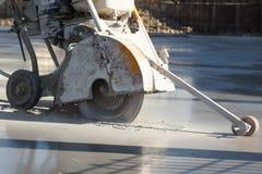 Taglio concreto bagnato fotografie stock