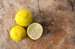 Taglio del limone Fotografie Stock Libere da Diritti