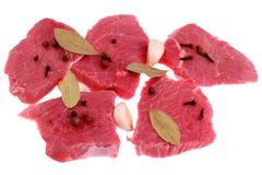 Taglio della bistecca di manzo con alloro, Fotografia Stock Libera da Diritti