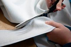 Taglio della persona con le forbici Immagine Stock Libera da Diritti