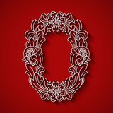Taglio di carta, lettera bianca O Fondo rosso Ornamento floreale, stile tradizionale di balinese Royalty Illustrazione gratis
