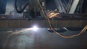 Taglio a macchina del plasma industriale di di piastra metallica clip CNC mc del plasma del piatto di taglio Taglierina industria fotografie stock