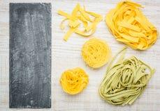 Διάστημα ζυμαρικών και αντιγράφων Tagliolini Fettuccine Tagliatelle Στοκ Φωτογραφίες