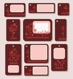 Tags, Aufkleber und Rotblätter auf einem Burgunder-Hintergrund, Ökologie, Natur Stockbilder