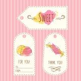 Tags mit Süßigkeitsillustration Gezeichnete Kennsatzfamilie des Vektors spritzt Hand mit Aquarell Süßes Vektorsüßigkeitsdesign Stockfotografie