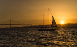 Tagus River no por do sol - Lisboa, Portugal Foto de Stock Royalty Free