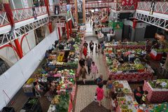 TAHITI, FRANZÖSISCH-POLYNESIEN - 4. August 2018 - traditioneller Markt Papetee stockfotos