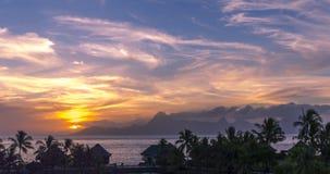 Tahiti solnedgångpanorama Arkivbilder