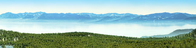 Tahoe湖全景 免版税图库摄影