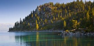 Tahoe湖岸 图库摄影