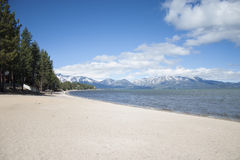 Tahoe湖海滩 库存图片