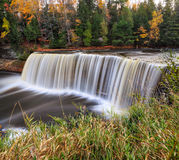Tahquamenon cade in autunno Fotografie Stock