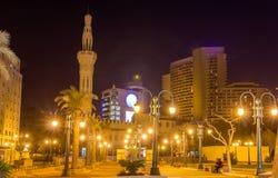 Tahrir广场的奥马尔Makram清真寺在开罗 库存图片