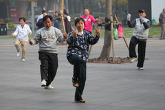 Tai Chi in de ochtend, China Royalty-vrije Stock Foto's