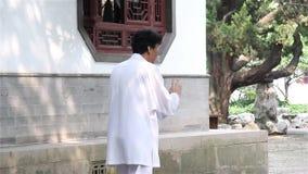 Tai chi in Nanshan-Stad in China stock footage