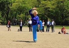 Tai chi-Qigong van de wereld Dag in Central Park Stock Fotografie