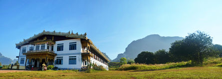 Tai Ta Ya Monastery o sao Roi Ton Temple, Myanmar Imágenes de archivo libres de regalías