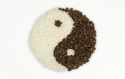 TaiChi Coffee Beans und Reis lizenzfreie stockfotos