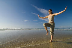 Taichi da praia Imagens de Stock Royalty Free