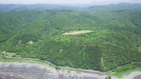 Taiji Coastline And Mountains, tiro que revela, Wakayama, Japón metrajes