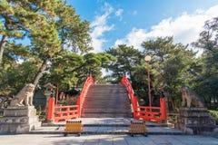 Taiko Bashi在Sumiyoshi盛大寺庙的鼓桥梁在大阪, Jaapan 免版税库存照片