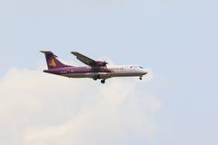 TAILÂNDIA, BANGUECOQUE 3 DE MARÇO: linha aérea de cambodia, voo do plano de ar do angkor Fotografia de Stock