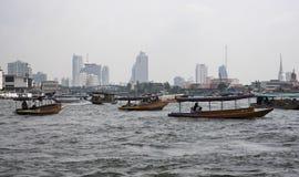 Tailândia, Banguecoque, rio de Chao Praya Fotos de Stock