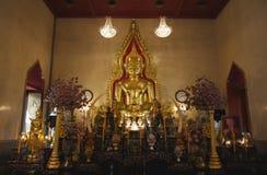 Tailândia, Banguecoque, templo de Traimit imagens de stock royalty free
