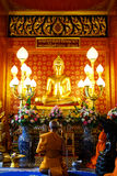 Tailândia, Buda dourada no templo Foto de Stock Royalty Free