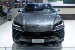 Tailândia - em dezembro de 2018: vista dianteira do carro luxuoso de Lamborghini Urus apresentado na expo Nonthaburi Tailândia do fotografia de stock