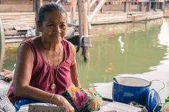 Tailandese dei vestiti da sposa dalla donna anziana retro Immagine Stock
