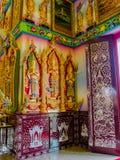 Tailandeses estuco pintado tres ángeles en la iglesia de Tailandia Fotos de archivo libres de regalías