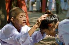 TAILANDIA EL 13 DE ABRIL: la gente celebra Songkran Imagen de archivo