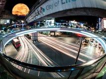 Tailandia, el centro de Bangkok, ciudad de la luz del donde atascos Fotografía de archivo