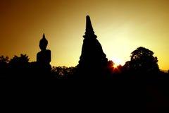 Tailandia, puesta del sol de Sukhotha Buda Foto de archivo