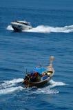 Tailboat en motorboot royalty-vrije stock foto